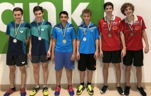 Die Top drei der U18 Meisterschaft. 1. Platz Gänserndorf (Mitte), 2. Platz SG Stockerau (li.), 3. Platz Klosterneuburg (re.)